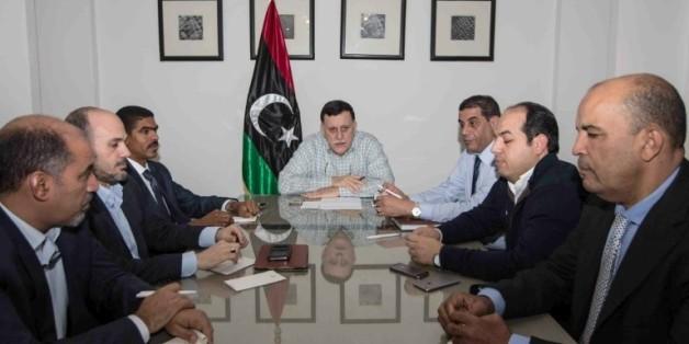 Le Conseil présidentiel libyen présidé par Fayez al-Sarraj le 4 février 2016 à Tripoli