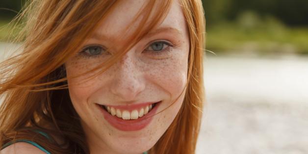 Eine schöne, rothaarige Frau