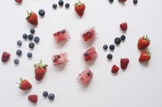 berry iced cubes
