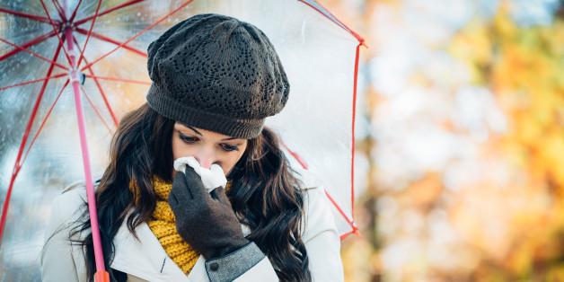 Bei Erkältungen können Sprays helfen. Doch ein Blick auf die Inhaltsstoffe ist jetzt besonders wichtig.