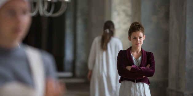 Josefine Preuß spielt die Hebammenschülerin Gesa im Spielfilm am Dienstag auf Sat.1