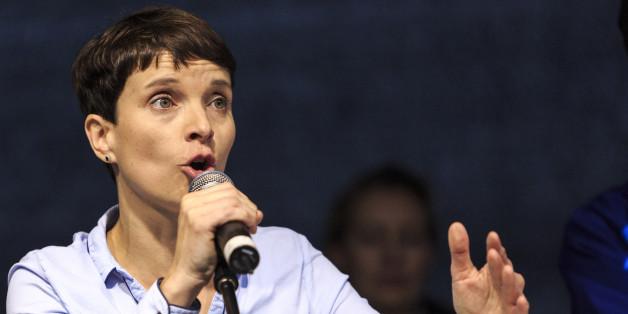 """""""Regierungsunfähig"""": Petry vergleicht Merkel mit DDR-Führungsspitze"""