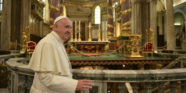 Le pape François dans la basilique Santa Maria Maggiore à Rome, à son retour du Mexique le 18 février 2016