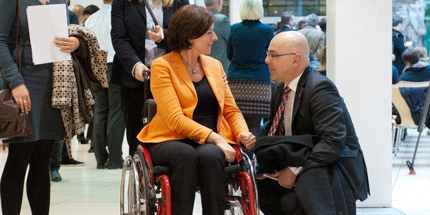 Die Ministerpräsidentin von Rheinland-Pfalz wurde wegen ihrer Behinderung übel beleidigt