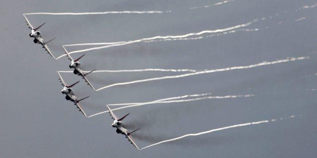 Russische  MIG-29 Kampfflugzeuge während Flughshow bei Moskau