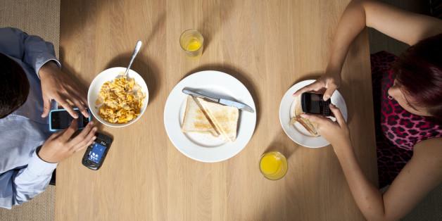 Ein Geschäftsführer lässt Bewerbern im Café das falsche Frühstück bringen - um sie zu testen