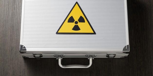 radioactivity on a suitcase