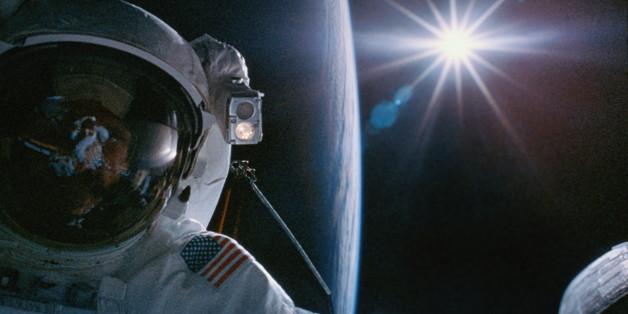 Geständnis der Nasa: Astronauten bemerkten etwas Unerklärliches in der Nähe des Mondes