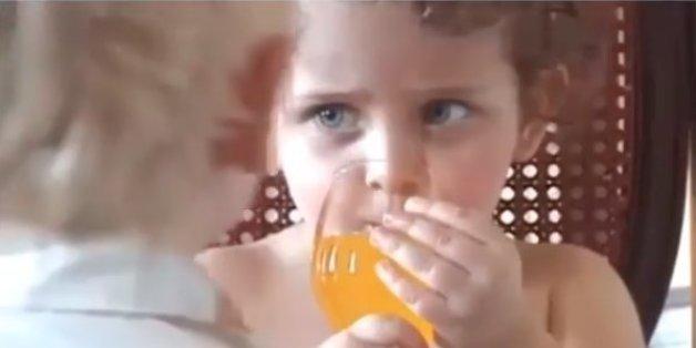 In dem Video sieht man Paris Jackson mit ihrem Bruder, der von Michael Jackson gescholten wird.