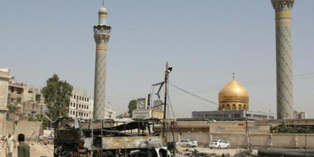 Le mausolée de Sayeda Zeinab près de Damas, haut lieu de pèlerinage chiite, après un attentat suicide le 14 juin 2012