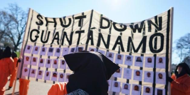 Des manifestants réclament la fermeture de la prison de Guantanamo, le 11 janvier 2016 en face de la Maison Blanche, à Washington