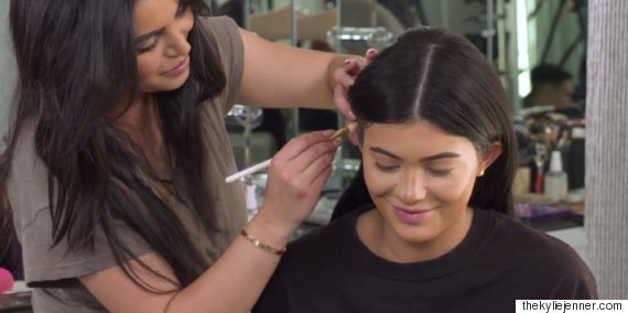 kylie jenner ear contouring