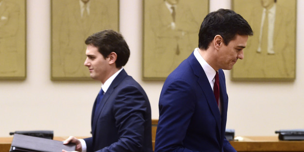 Leader of Spanish Socialist Party (PSOE) Pedro Sanchez (R) and leader of center-right party Ciudadanos, Albert Rivera hold documents to sign an agreement to support the socialist leader as candidate to lead the new Spanish government, in Madrid on February, 24, 2016  Spain's Socialists, racing to end weeks of political deadlock following inconclusive elections, announced today that the centrist Ciudadanos party has agreed to back their candidate for prime minister during the upcoming March, 2 investiture session.   / AFP / Pierre-Philippe MARCOU        (Photo credit should read PIERRE-PHILIPPE MARCOU/AFP/Getty Images)
