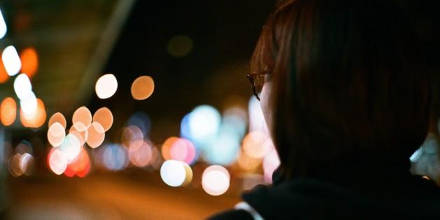 Die Gefahr ist real: Das erlebte eine junge Frau an der Bushaltestelle