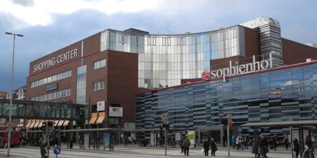 Im Einkaufszentrum Sophienhof in Kiel sollen mehrere Männer Frauen belästigt haben