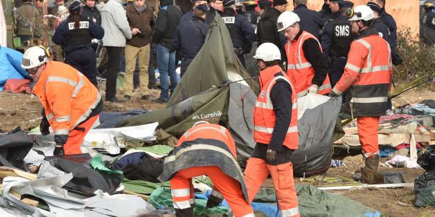 """Le démantèlement de la """"jungle"""" de Calais a commencé"""