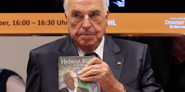 Helmut Kohl bei der Vorstellung seiner Biografie