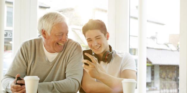 Studie: Junge Leute und Senioren unterscheiden sich - nicht