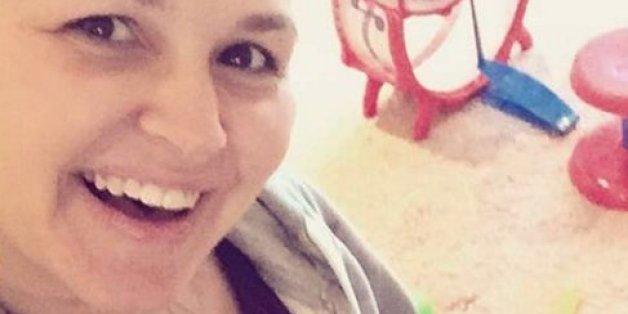 Eine Fremde machte sich über den Bauch einer jungen Mutter lustig - jetzt reagiert sie