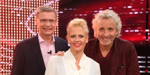 """""""Die 2"""" Günther Jauch (li.) und Thomas Gottschalk mit Moderatorin Barbara Schöneberger"""