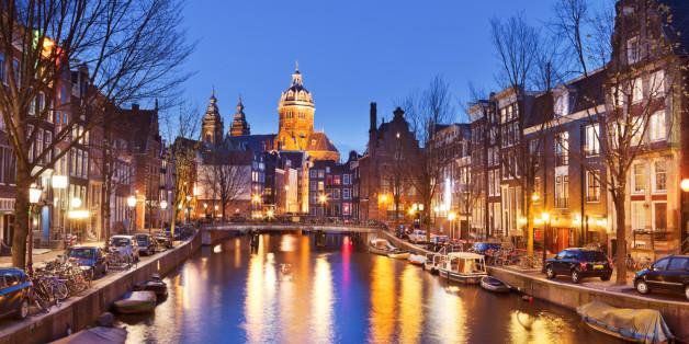 Die Häuser in Amsterdam bestehen zum Großteil aus Ziegeln