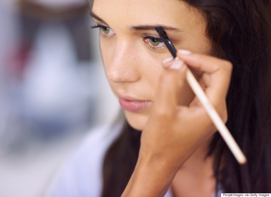 How To Perfectly Shape Sparse Or Aging Eyebrows Huffpost Canada