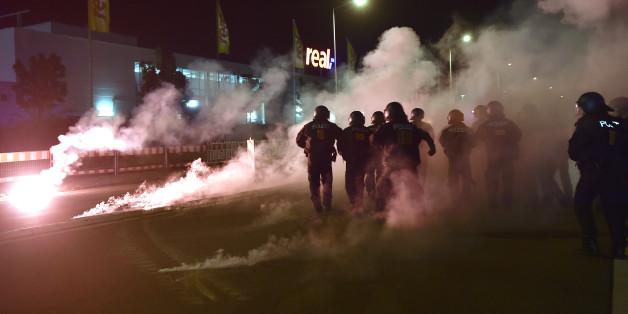 Polizeiensatz bei Pegida-Kundgebung in Dresden