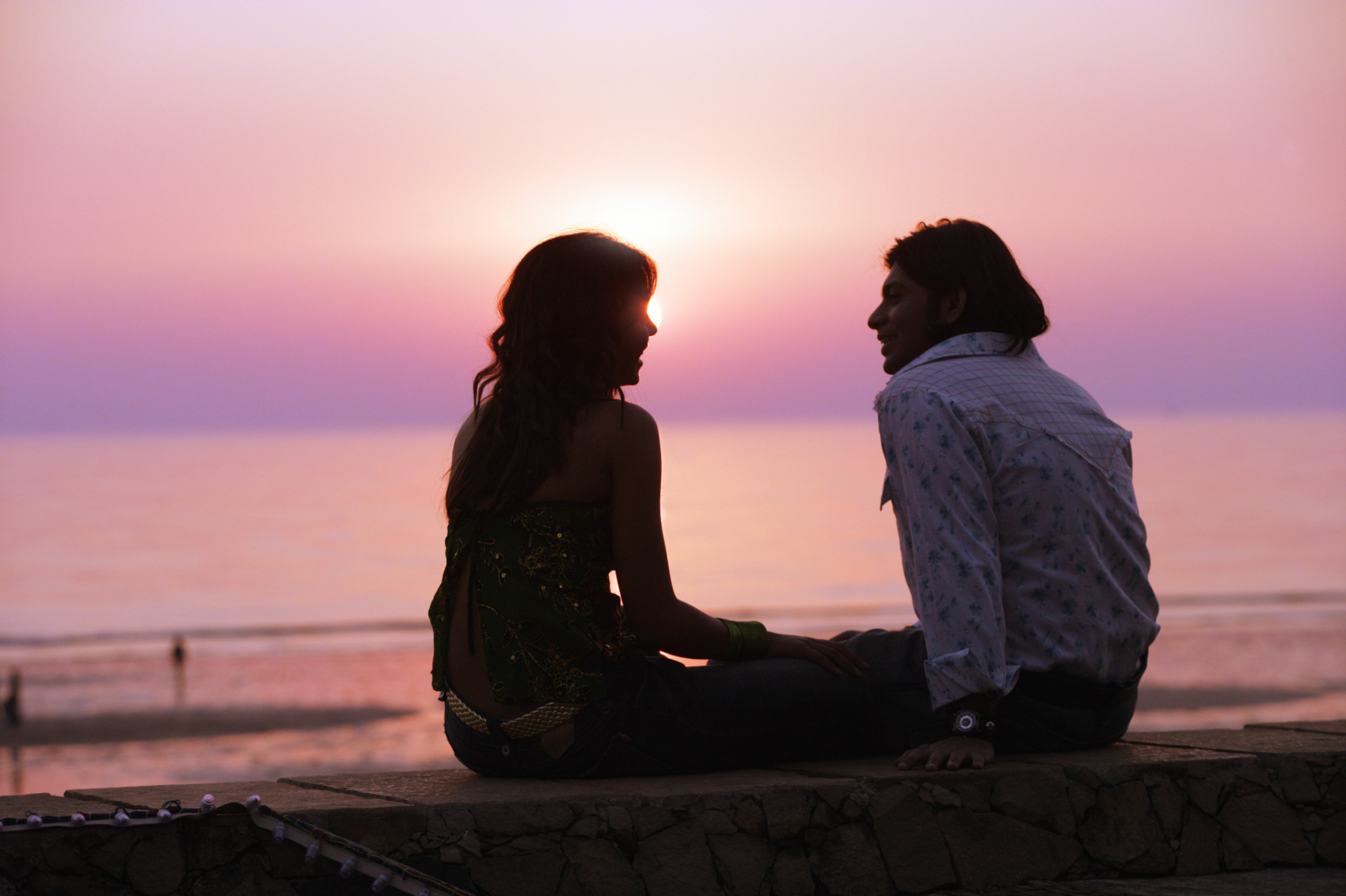 indian couple love sunset