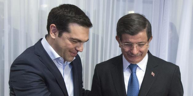 Der griechische Regierungschef Alexis Tsipras und sein Amtskollege Ahmet Davutoglu in Brüssel