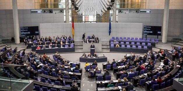 Fast zwei von drei Deutschen wollen, dass Politiker im Bundestag auf Drogen untersucht werden (Archivbild)
