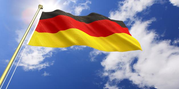 Wer die deutsche Staatsbürgerschaft bekommen möchte, muss zuerst den Einbürgerungstest bestehen.