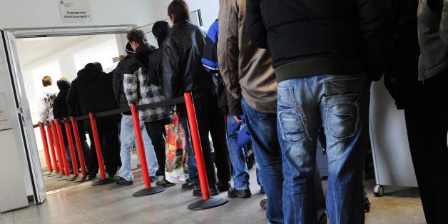 Forscher gehen davon aus, dass Flüchtlinge in Deutschland zunächst vor allem als Hilfskräfte gefragt sind