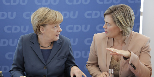 (GERMANY OUT) Berlin, Konrad-Adenauer- Haus, CDU Bundesvorstandssitzung, Foto: Bundeskanzleri Angela Merkel, Julia Klöckner, CDU/CSU  (Photo by Popow/ullstein bild via Getty Images)