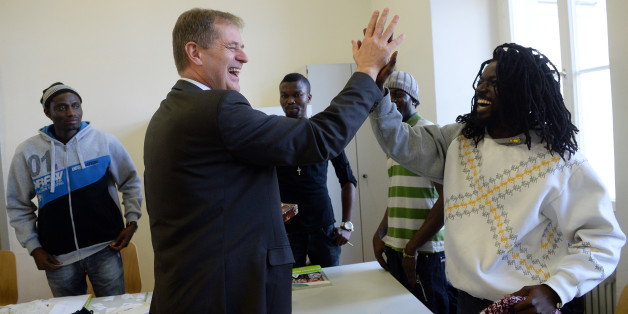 Dieser Bürgermeister hat es geschafft, Flüchtlinge in seiner Stadt zu Arbeit zu verhelfen.