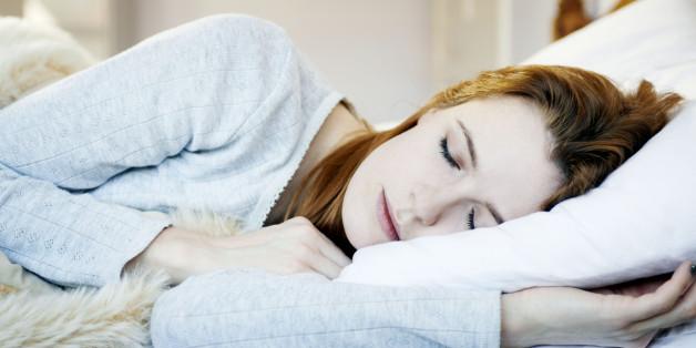 Kämpfe im Gehirn sind der Grund für das Zucken vor dem Einschlafen.