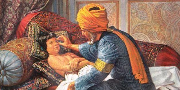 Mohammad Al-Razi prodigue des soins à un enfant.