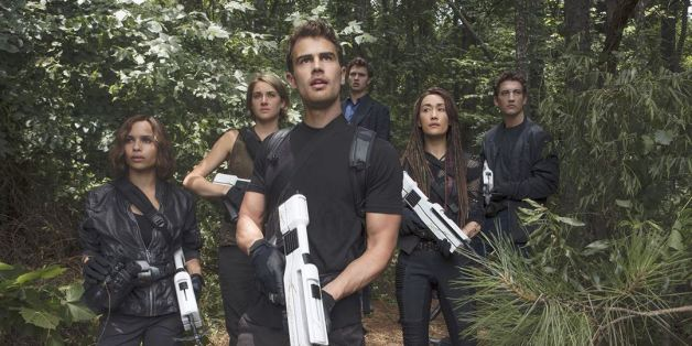 Divergente 3 : au-delà du mur nous amène dans un futur très différent des deux premiers épisodes.