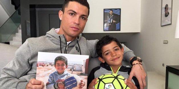 Cristiano Ronaldo publie une photo de famille en soutien des réfugiés syriens