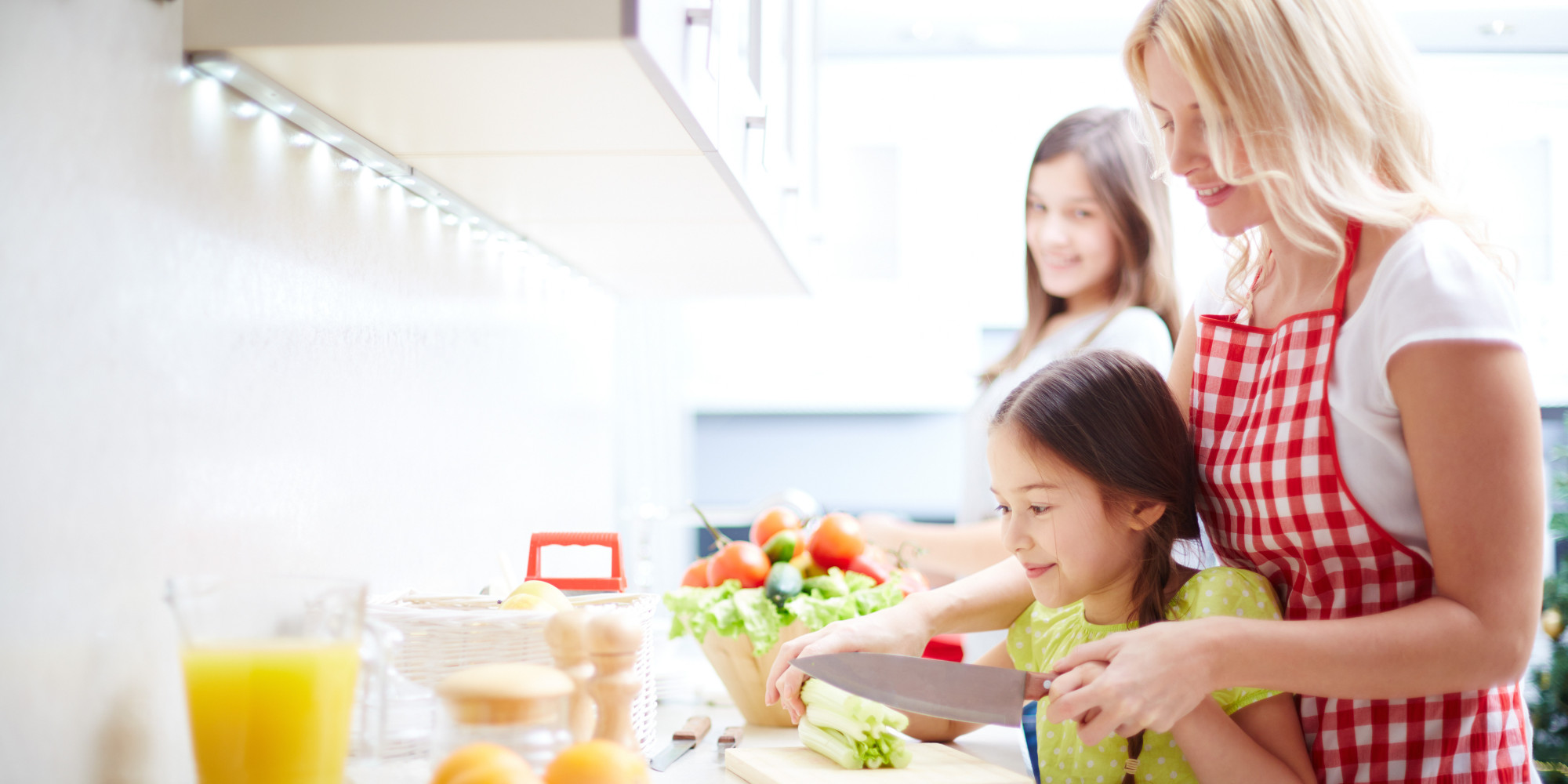 10 Ideas to Engage Toddlers in the Kitchen | HuffPost