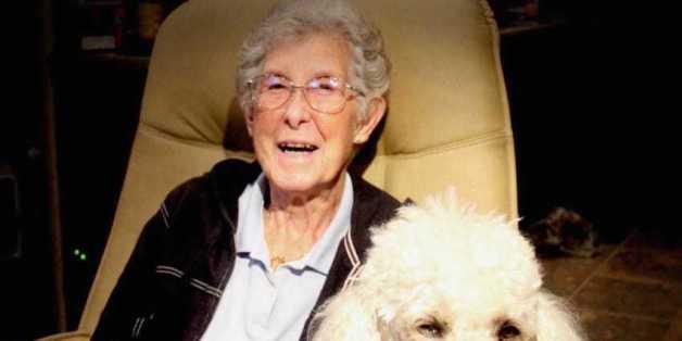 Diese 90-jährige Frau weigert sich, eine Chemotherapie gegen ihren Krebs zu machen. Was sie stattdessen tut, ist brillant.