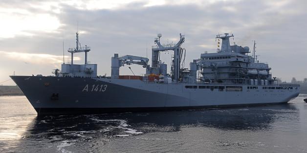 Das deutsche Versorgungsschiff Bonn führt den Nato-Einsatz in der Ägäis an