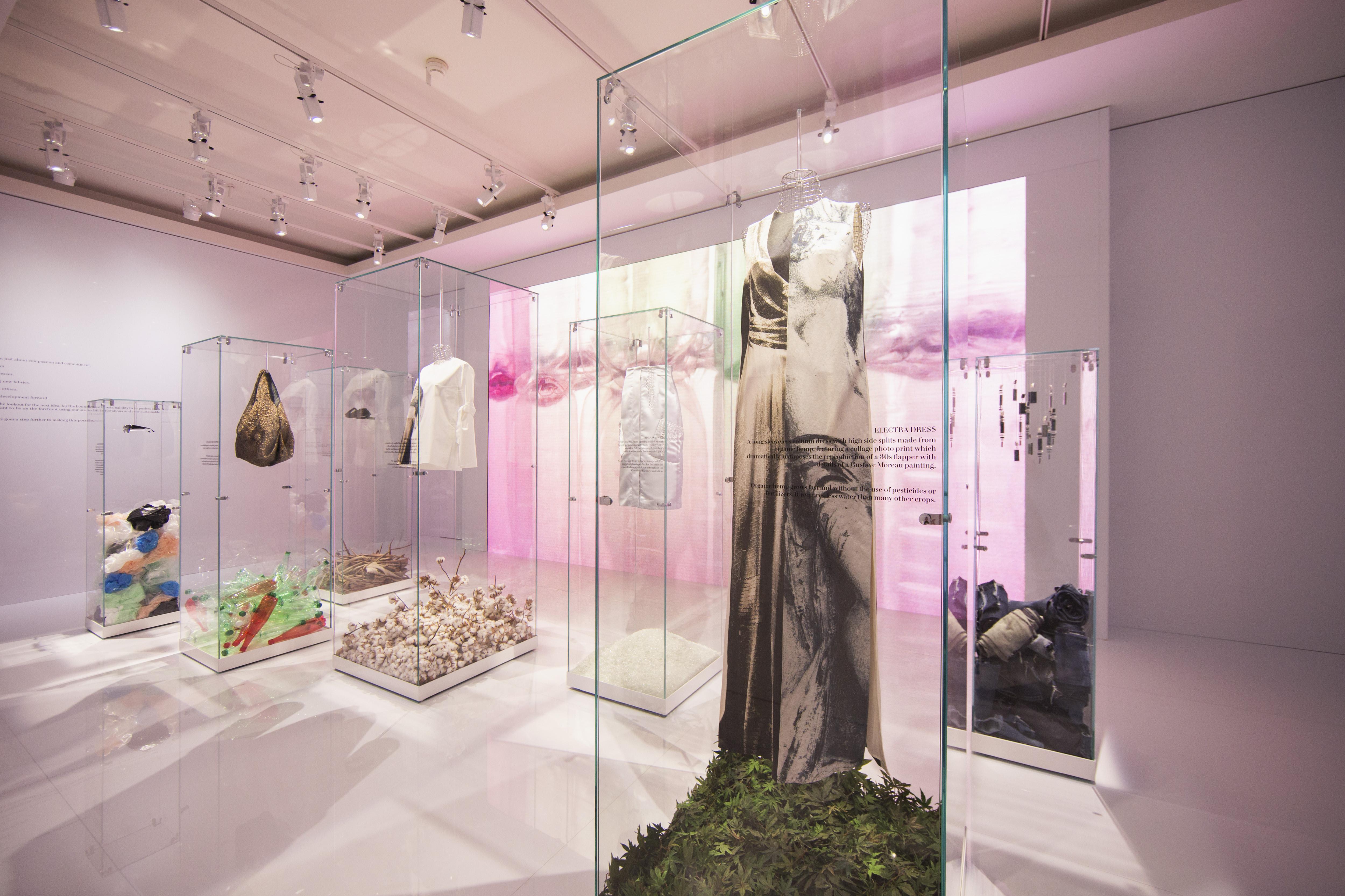 La moda verde es arte: H&M crea una colección inspirada en el Museo ...