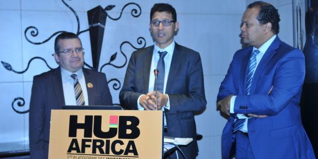 De gauche à droite: Zouhair Triqui, secrétaire général de Maroc Export, Zakaria Fahim, président de Hub Africa et Alioune Gueye, commissaire général de Hub Africa et président de NGE Impact.