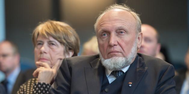 Ifo-Chef Hans-Werner Sinn hat die Kanzlerin erneut scharf attackiert
