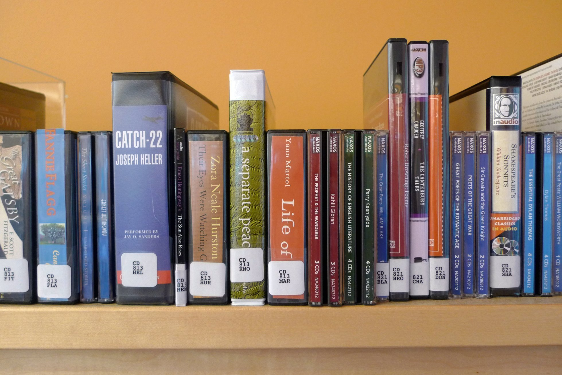 cd library room