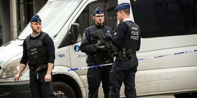 Knapp drei Monate nach den verheerenden Anschlägen in Brüssel haben Sicherheitskräfte bei Anti-Terror-Razzien in Belgien am Samstag 12 Verdächtige festgenommen.
