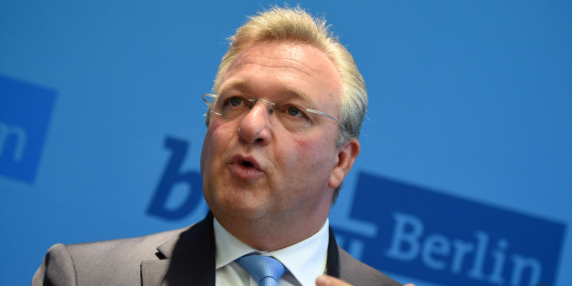 Berlins Innensenator Frank Henkel warnt vor gewaltbereiten Syrien- und Irak-Rückkehrern - einen Vergleich mit Brüssel will er aber nicht ziehen