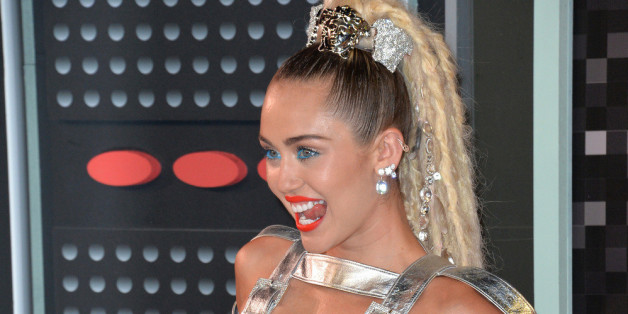 Miley Cyrus wurde von ihrer Katze gekratzt