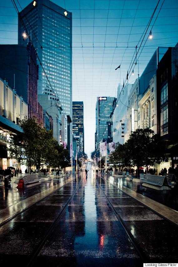 melbourne tram rain