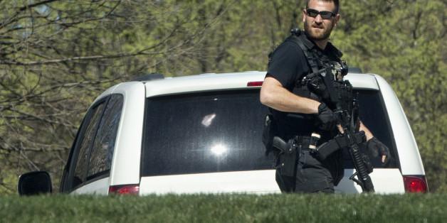 Ein Mitarbeiter des Secret Service patrouilliert nahe dem Weißen Haus in Washington.